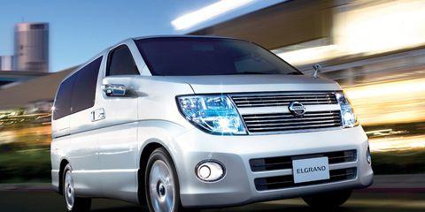Motor vehicle, Wheel, Automotive design, Automotive mirror, Mode of transport, Vehicle, Transport, Land vehicle, Headlamp, Automotive lighting,