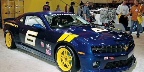 Tire, Wheel, Automotive design, Vehicle, Car, Hood, Headlamp, Performance car, Fender, Grille,