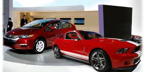 Tire, Wheel, Automotive design, Vehicle, Automotive tire, Land vehicle, Car, Rim, Muscle car, Performance car,