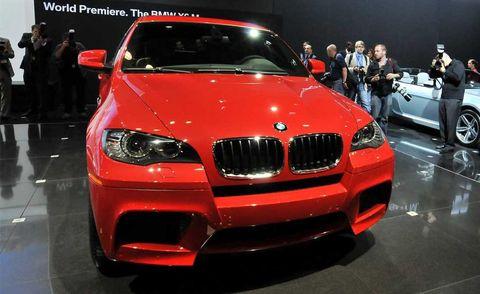 Motor vehicle, Automotive design, Vehicle, Event, Land vehicle, Car, Grille, Automotive exterior, Personal luxury car, Auto show,