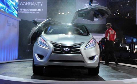 Automotive design, Mode of transport, Vehicle, Event, Car, Grille, Auto show, Exhibition, Luxury vehicle, Technology,