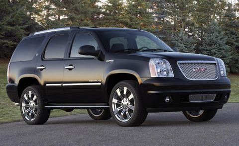 Tire, Wheel, Motor vehicle, Automotive tire, Automotive mirror, Vehicle, Land vehicle, Automotive lighting, Automotive exterior, Rim,