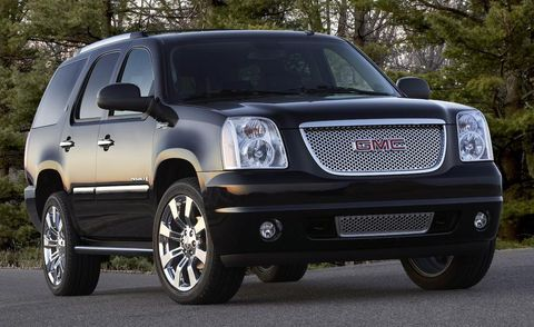 Motor vehicle, Tire, Wheel, Automotive tire, Automotive mirror, Vehicle, Automotive exterior, Glass, Automotive lighting, Land vehicle,