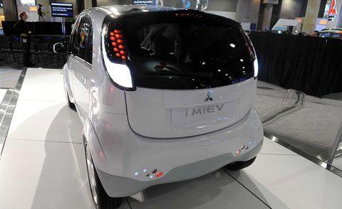 Motor vehicle, Automotive design, Vehicle, Car, Automotive lighting, Fender, Automotive mirror, Auto show, Automotive exterior, Automotive tire,