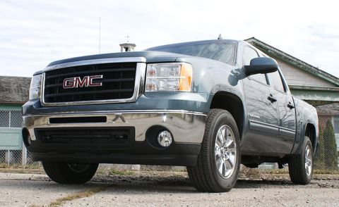 Tire, Wheel, Motor vehicle, Automotive tire, Automotive mirror, Automotive design, Vehicle, Land vehicle, Automotive lighting, Transport,