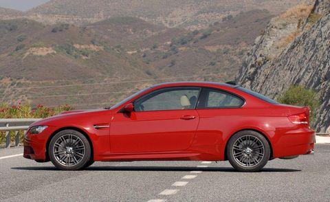 Tire, Wheel, Automotive design, Vehicle, Alloy wheel, Window, Rim, Car, Red, Hood,