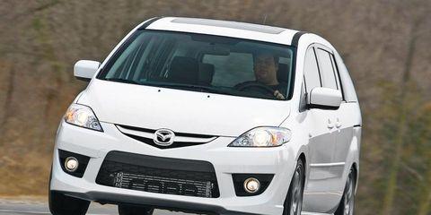 Motor vehicle, Tire, Wheel, Automotive design, Vehicle, Automotive mirror, Transport, Land vehicle, Headlamp, Glass,