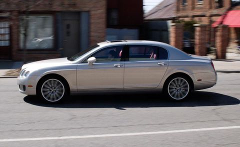 Tire, Wheel, Vehicle, Window, Land vehicle, Alloy wheel, Rim, Automotive wheel system, Spoke, Car,