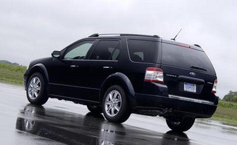 Tire, Wheel, Automotive tire, Vehicle, Transport, Road, Infrastructure, Automotive tail & brake light, Rim, Car,