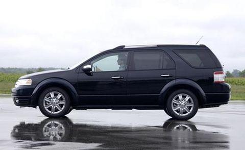 Tire, Wheel, Automotive tire, Automotive design, Alloy wheel, Vehicle, Land vehicle, Rim, Automotive wheel system, Spoke,