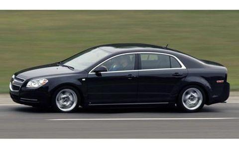 Tire, Wheel, Automotive design, Vehicle, Automotive tire, Rim, Car, Automotive mirror, Alloy wheel, Full-size car,