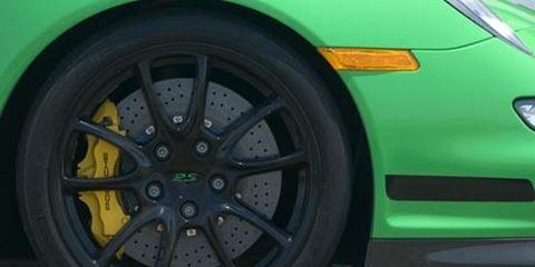 Tire, Wheel, Automotive design, Automotive tire, Yellow, Automotive wheel system, Alloy wheel, Vehicle, Rim, Transport,