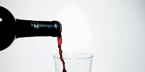 Liquid, Fluid, Drinkware, Bottle, Glass, Cylinder, Transparent material, Coquelicot, Solution, Liqueur,