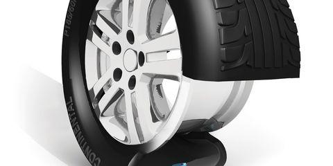 Tire, Wheel, Automotive tire, Alloy wheel, Automotive design, Automotive exterior, Rim, Automotive wheel system, Spoke, Synthetic rubber,