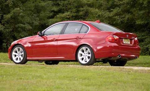 Tire, Wheel, Mode of transport, Vehicle, Alloy wheel, Automotive design, Car, Vehicle registration plate, Rim, Red,