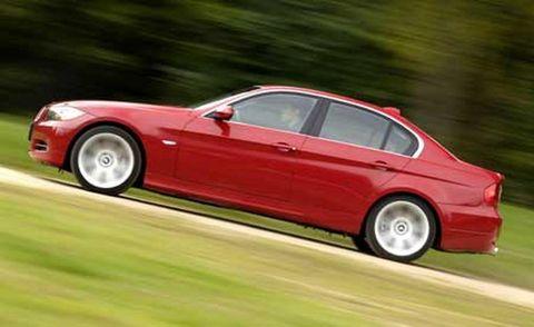 Tire, Wheel, Automotive design, Mode of transport, Vehicle, Land vehicle, Alloy wheel, Rim, Car, Spoke,
