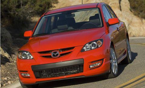 Motor vehicle, Tire, Automotive design, Daytime, Vehicle, Hood, Automotive mirror, Automotive lighting, Headlamp, Land vehicle,