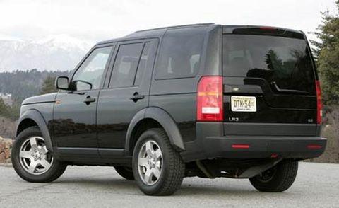 Tire, Wheel, Motor vehicle, Automotive tire, Mode of transport, Automotive design, Automotive exterior, Vehicle, Automotive tail & brake light, Rim,