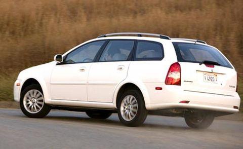 Tire, Wheel, Motor vehicle, Automotive tire, Mode of transport, Automotive mirror, Vehicle, Transport, Automotive tail & brake light, Land vehicle,
