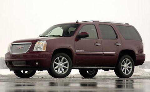 Tire, Wheel, Motor vehicle, Automotive mirror, Automotive tire, Mode of transport, Vehicle, Transport, Window, Natural environment,