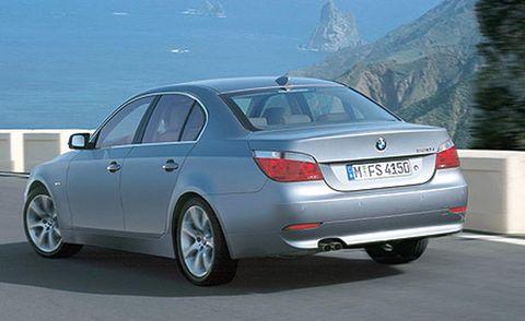 Tire, Wheel, Mode of transport, Automotive design, Vehicle registration plate, Vehicle, Land vehicle, Automotive lighting, Automotive exterior, Car,
