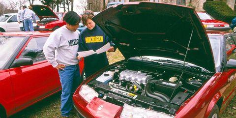 Motor vehicle, Automotive design, Vehicle, Automotive exterior, Car, Trunk, Vehicle door, Fender, Automotive lighting, Hood,