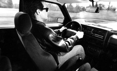 Motor vehicle, Automotive mirror, Steering part, Automotive design, Vehicle, Steering wheel, Car, Vehicle door, Rear-view mirror, Glass,