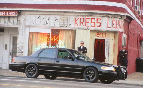 Tire, Wheel, Vehicle, Land vehicle, Automotive parking light, Car, Automotive tire, Full-size car, Luxury vehicle, Rim,