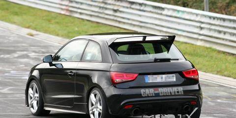Tire, Wheel, Automotive design, Mode of transport, Vehicle, Vehicle registration plate, Car, Performance car, Rim, Personal luxury car,