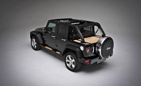 Tire, Motor vehicle, Wheel, Automotive tire, Automotive design, Automotive exterior, Vehicle, Rim, Transport, Automotive wheel system,