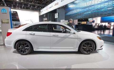 Tire, Wheel, Automotive design, Vehicle, Alloy wheel, Rim, Automotive tire, Spoke, Car, Automotive wheel system,
