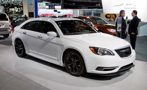 Wheel, Tire, Automotive design, Vehicle, Land vehicle, Car, Automotive lighting, Automotive tire, Alloy wheel, Rim,