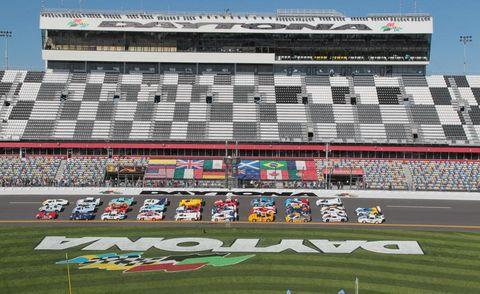Sport venue, Race track, Plain, Race car, Touring car racing, Racing, Auto racing, Motorsport, Stadium, Sports car racing,