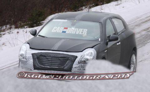 Motor vehicle, Mode of transport, Automotive design, Winter, Vehicle, Land vehicle, Automotive exterior, Car, Automotive mirror, Freezing,