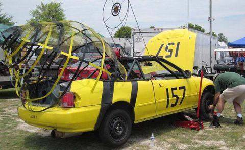 Tire, Motor vehicle, Wheel, Vehicle, Land vehicle, Transport, Automotive tire, Car, Vehicle door, Fender,