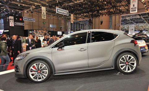 Wheel, Tire, Automotive design, Vehicle, Land vehicle, Car, Alloy wheel, Hatchback, Automotive wheel system, Auto show,