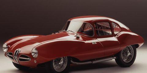Tire, Wheel, Mode of transport, Automotive design, Automotive tire, Vehicle, Automotive wheel system, Automotive exterior, Classic car, Transport,
