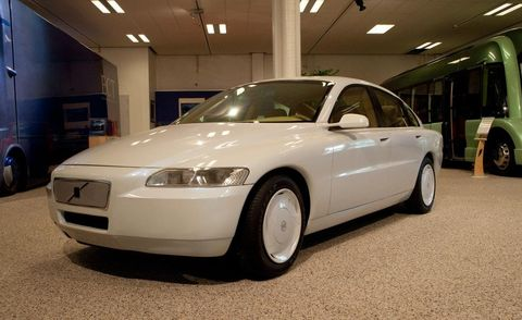 Tire, Wheel, Automotive design, Land vehicle, Vehicle, Rim, Car, Automotive mirror, Automotive parking light, Vehicle door,