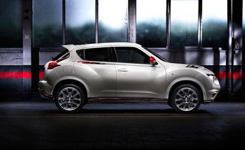Motor vehicle, Automotive design, Vehicle, Automotive tire, Car, Alloy wheel, Glass, Hatchback, Fender, Automotive exterior,