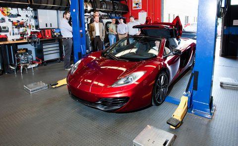 Automotive design, Performance car, Headlamp, Supercar, Car, Hood, Fender, Personal luxury car, Sports car, Automotive lighting,