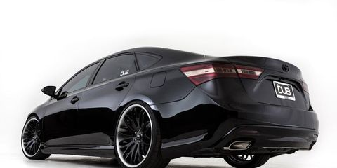 Tire, Wheel, Automotive design, Mode of transport, Vehicle, Automotive tire, Alloy wheel, Rim, Car, Automotive lighting,