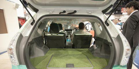 Trunk, Vehicle door, Car seat, Family car, Luxury vehicle, Automotive window part, Full-size car, City car, Car seat cover, Head restraint,