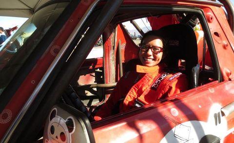 Motor vehicle, Automotive design, Car seat, Vehicle door, Windshield, Automotive window part, Driving, Car seat cover, Steering wheel, Hood,
