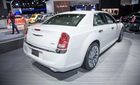 Wheel, Tire, Automotive design, Land vehicle, Vehicle, Event, Car, Personal luxury car, Fender, Luxury vehicle,