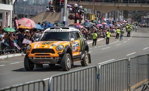 Clothing, Tire, Road, Motorsport, Crowd, Car, Street, Race track, Auto racing, Racing,