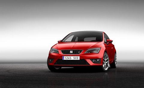 Automotive design, Vehicle, Automotive mirror, Automotive lighting, Land vehicle, Car, Grille, Headlamp, Hood, Mid-size car,