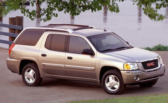 Chevrolet Trailblazer EXT/GMC Envoy XUV (2004–2005) In the early 2000s, GM's design studio was apparently looking to corner the market on ugly SUVs, and it mostly succeeded. Two of its worst projects—besides, of course, the Aztek—were the extended-wheelbase versions of the Chevy Trailblazer and the GMC Envoy.