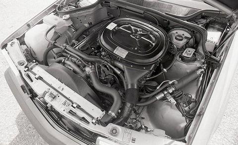Engine, Automotive engine part, Metal, Monochrome, Automotive super charger part, Machine, Silver, Kit car, Carburetor, Titanium,
