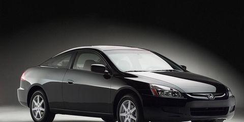 Tire, Automotive mirror, Wheel, Automotive design, Mode of transport, Product, Vehicle, Automotive lighting, Automotive tire, Transport,