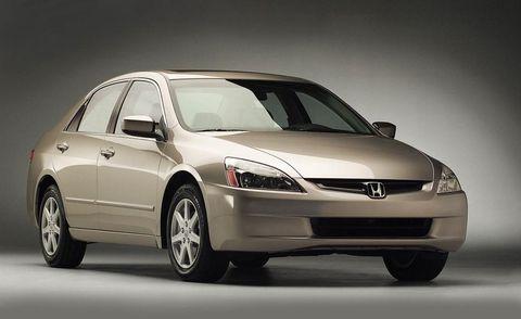 Tire, Automotive mirror, Automotive design, Mode of transport, Product, Glass, Vehicle, Transport, Car, Automotive exterior,
